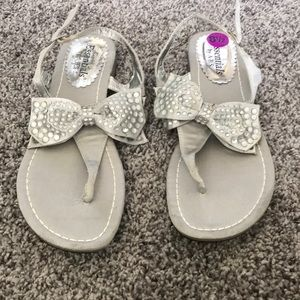 New rhinestone bow sandals Essentials by ABS 8.5